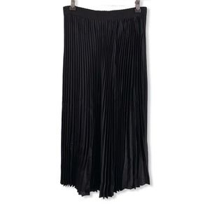 Outrageous Fortune Black Pleated Skirt Size 8